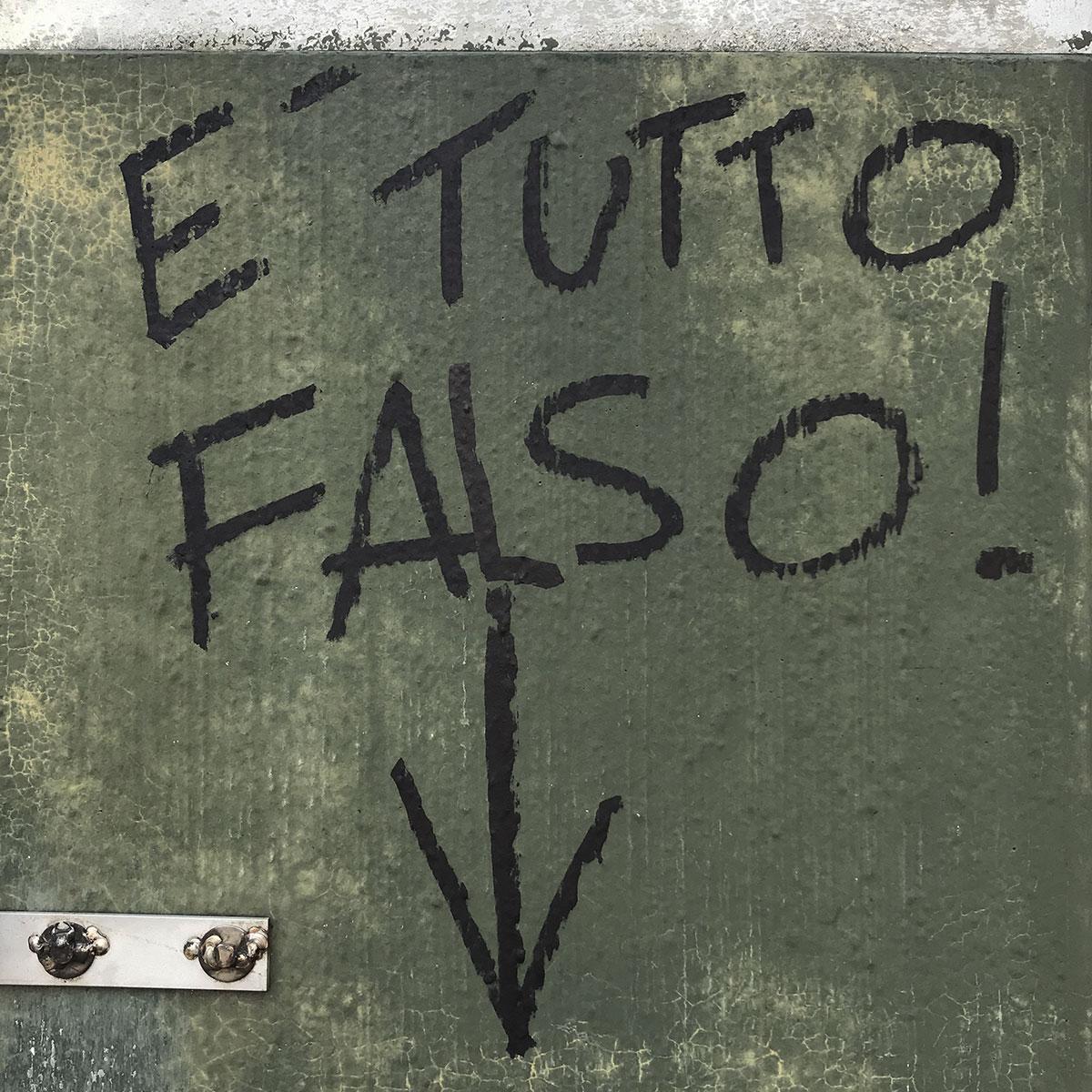 E-Tutto-Falso-WEB