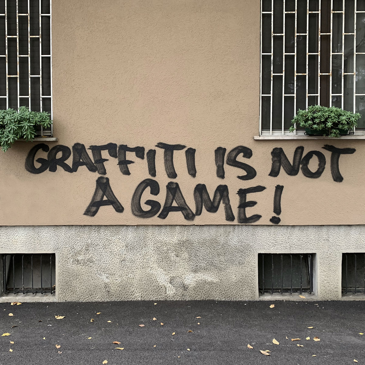 Graffiti-Is-Not-A-Game